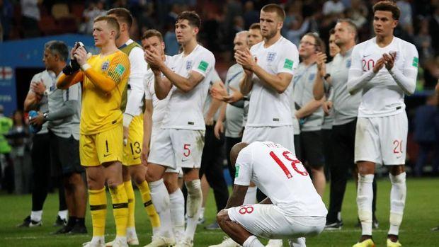 Timnas Inggris yang dikalahkan Kroasia memiliki populasi saat ini sekitar 53 juta jiwa.