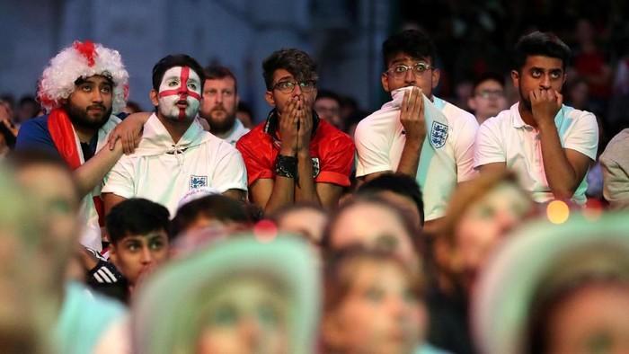 Para pendukung tim Inggris di Piala Dunia 2018 (Foto: Reuters)