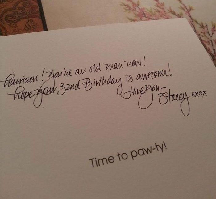 Ucapan selamat ulang tahun yang satu ini enggak hanya bikin senang orang yang membacanya, tapi juga bisa bikin matamu termanjakan. (Foto: Reddit)