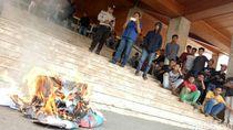 Jalan Rusak Akibat Proyek LRT, Warga Demo ke DPRD Sumsel