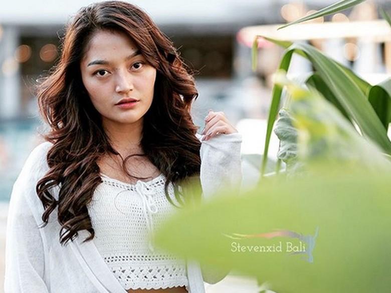 Siti Badriah Satu-satunya Musisi Indonesia di Chart YouTube Billboard