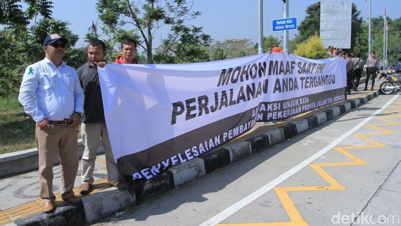 Massa Sub Kontraktor PT Wika Demo Tagih Pembayaran Proyek Tol Soroja