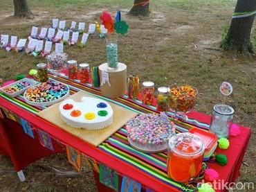 Tema pesta ulang tahun yang artsy ini juga bisa jadi inspirasi. (Foto: Blog Shorties Funny Farm)