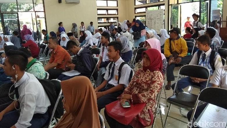 Keluarga Mampu Pakai SKTM, Pendaftar di SMA 2 Ungaran Dicoret