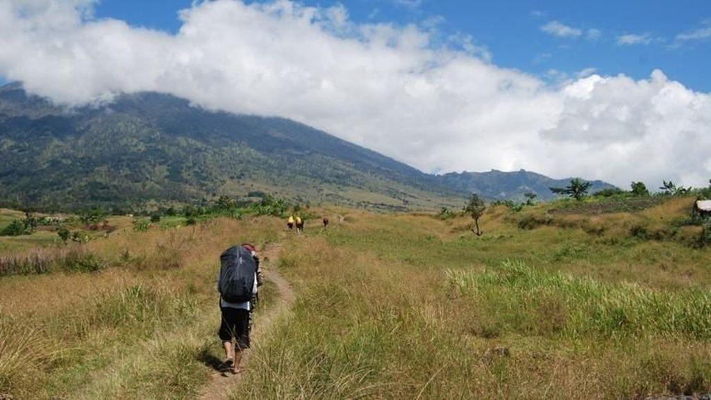 Ini Titik-titik Longsor di Kaki Gunung Rinjani Akibat Gempa