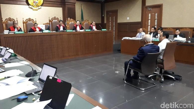 Hakim Tunda Kesaksian Dorodjatun di Sidang BLBI