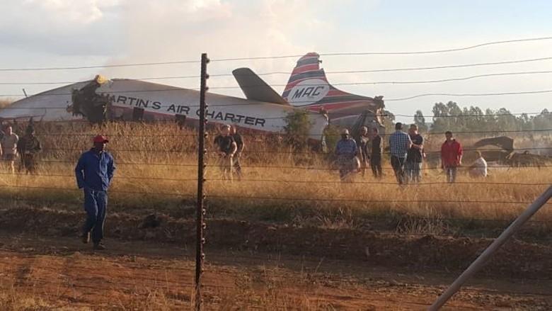 Pilot Qantas Cedera Berat Setelah Pesawat Jatuh di Afrika Selatan