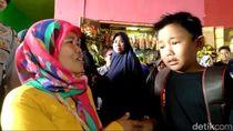 Momen Haru Ibu Ketemu Anak yang Terpisah Saat Beli Seragam