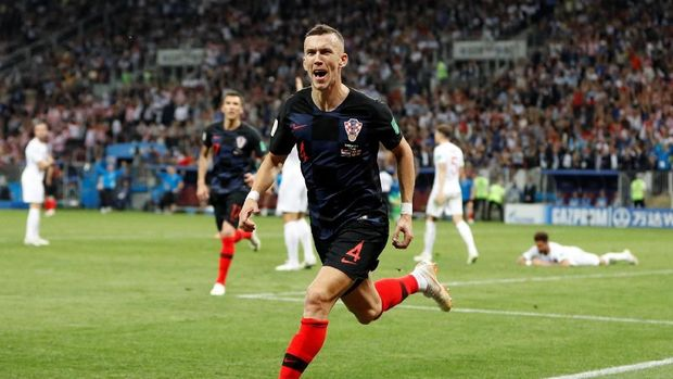 Bintang timnas Kroasia Ivan Perisic menceploskan satu gol ke gawang Inggris.