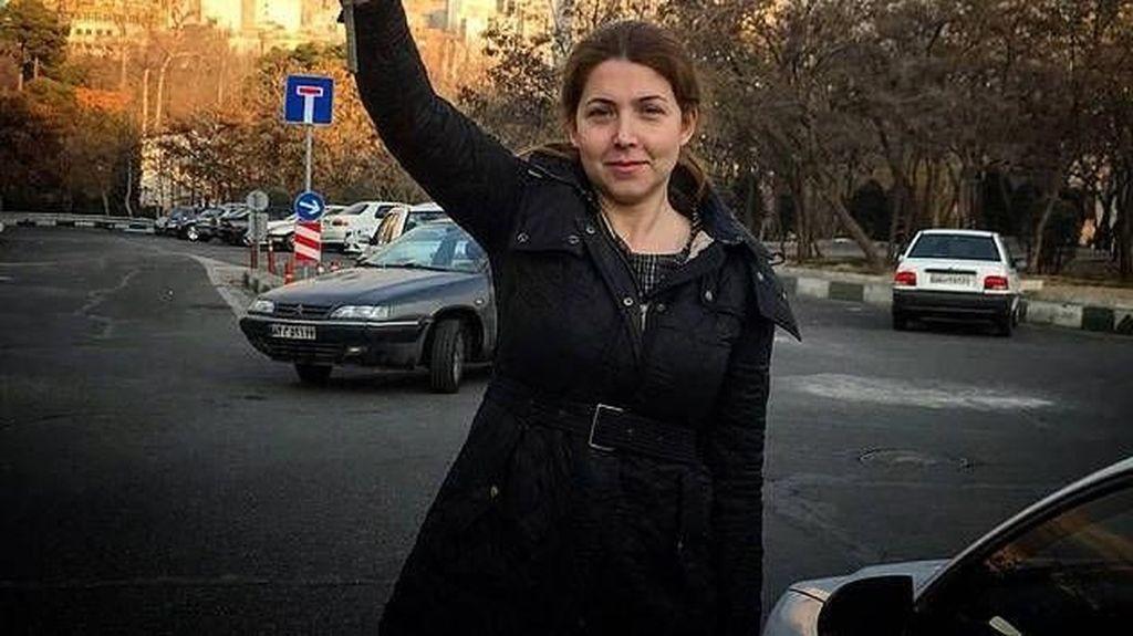 Lepas Jilbab Depan Umum, Wanita Iran ini Dipenjara 20 Tahun