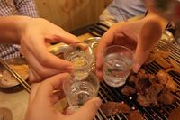 Biarkan Pelanggan Mabuk, Restoran Korea Ini Dituntut Rp 23 Juta