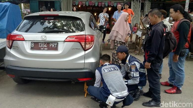 Razia Parkir Liar Jelang Asian Games Palembang, Warga Protes