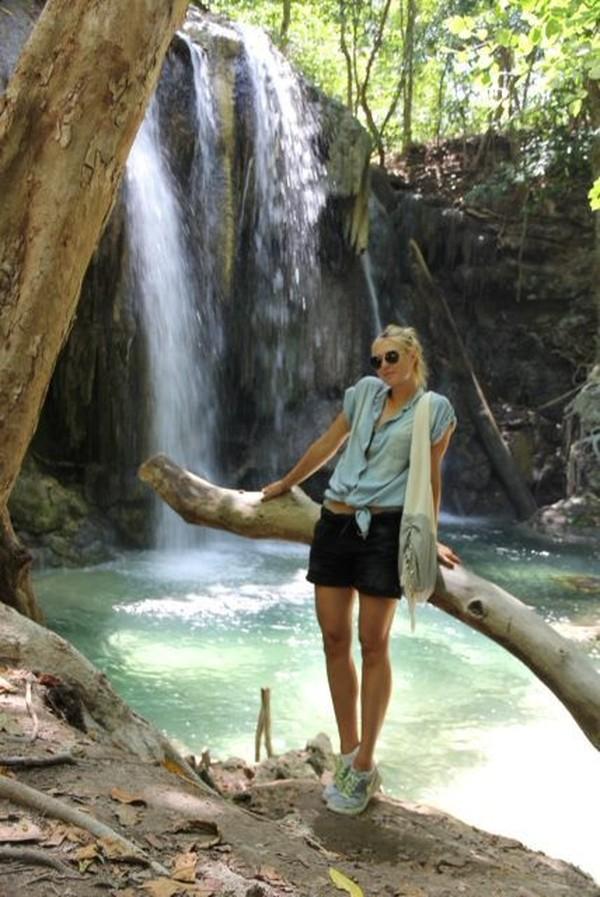 Selain Candi Borobudur di Magelang, Sharapova juga ke Pulau Moyo di NTB (Maria Sharapova/Facebook)