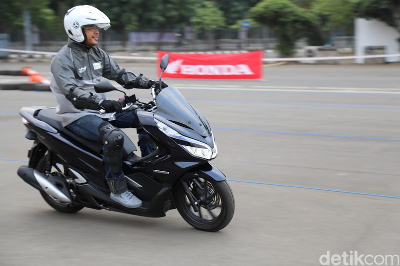 Honda PCX Hybrid. Foto: PT Astra Honda Motor