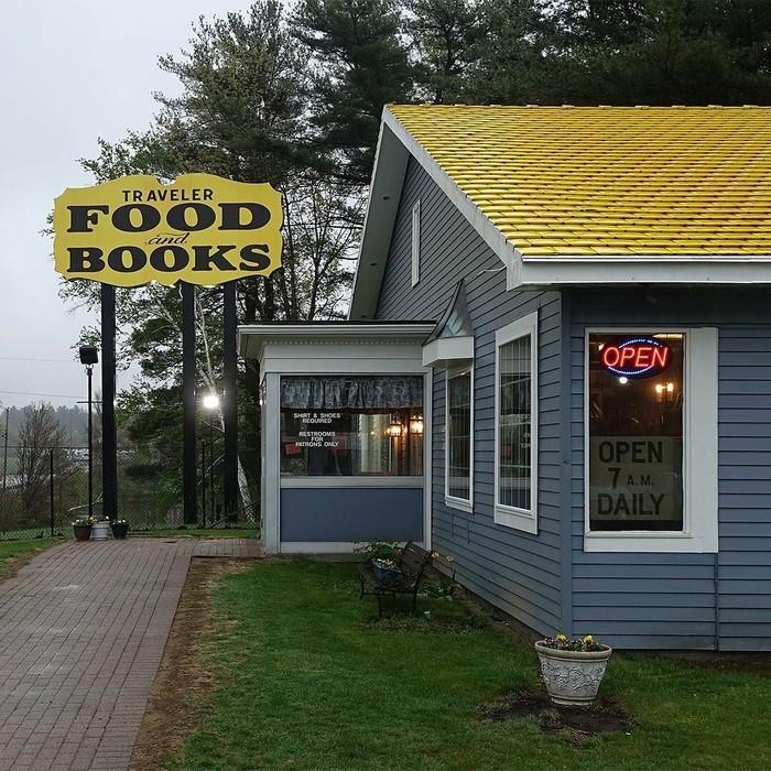 Restoran ini sudah berdiri sejak tahun 1970. Sesuai namanya, restoran yang terletak di 1257 Buckley Hwy, Union, Amerika Serikat ini membuka pintunya bagi para traveler yang berkunjung. Foto: Instagram notclosed