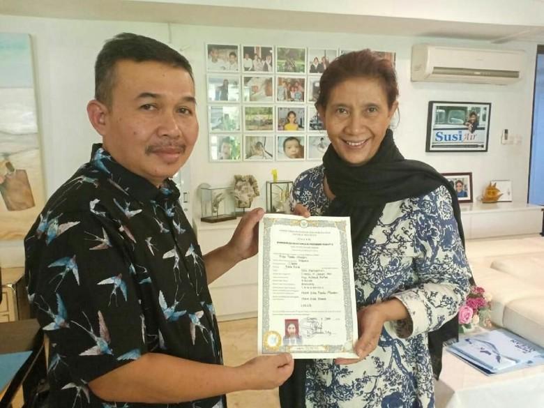 Menteri Susi Lulus Ujian Paket C dan Dapat Ijazah Setara SMA