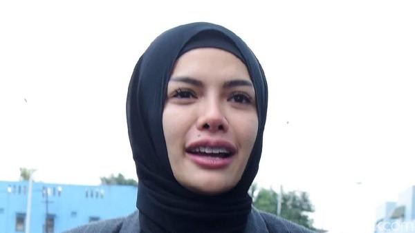 Nikita Mirzani Tak Ingin Masalahkan Nafkah Jika Bercerai
