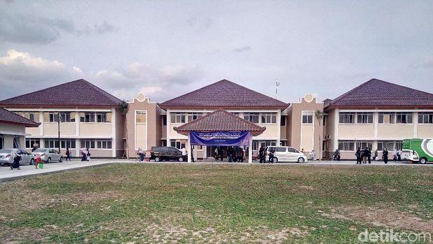Gedung sekolah SMA Unggulan CT Arsa Sukoharjo.