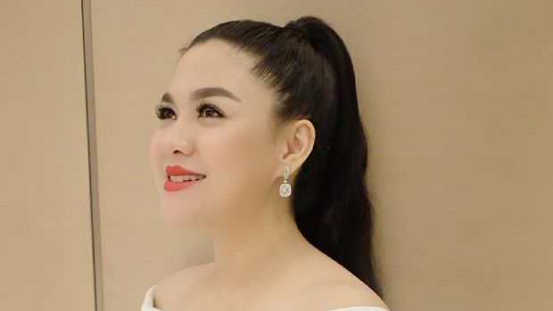 Vicky Shu yang baru saja melahirkan siap nyaleg.