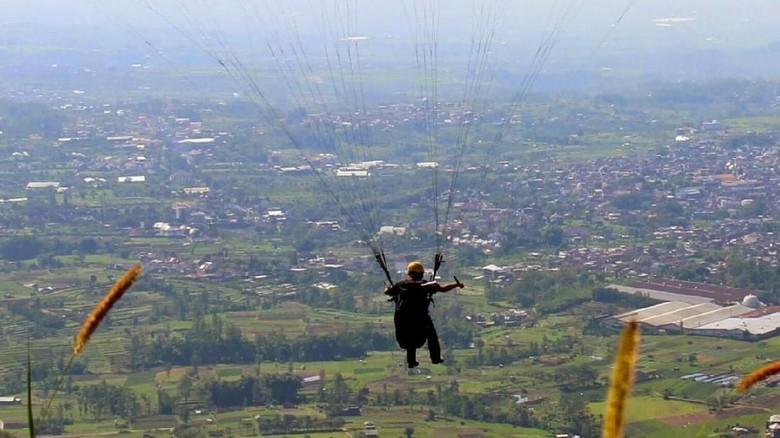 Kota Batu Tuan Rumah Kejuaran Dunia Paragliding Seri III