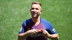 Arthur Tak Berpikir Pergi dari Barcelona