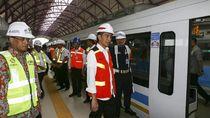 Foto: Jokowi Tinjau LRT Palembang