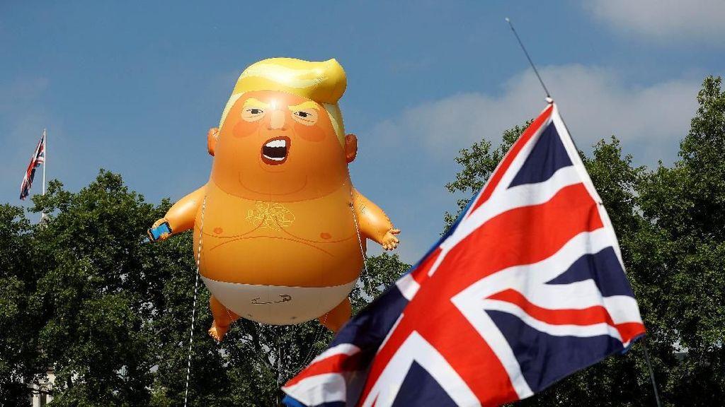 Ada Balon Bayi Trump Melayang di Langit Kota London
