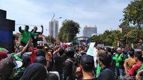 Driver Online di Surabaya Demo, Tuntut Pergub Legalitas Ojek