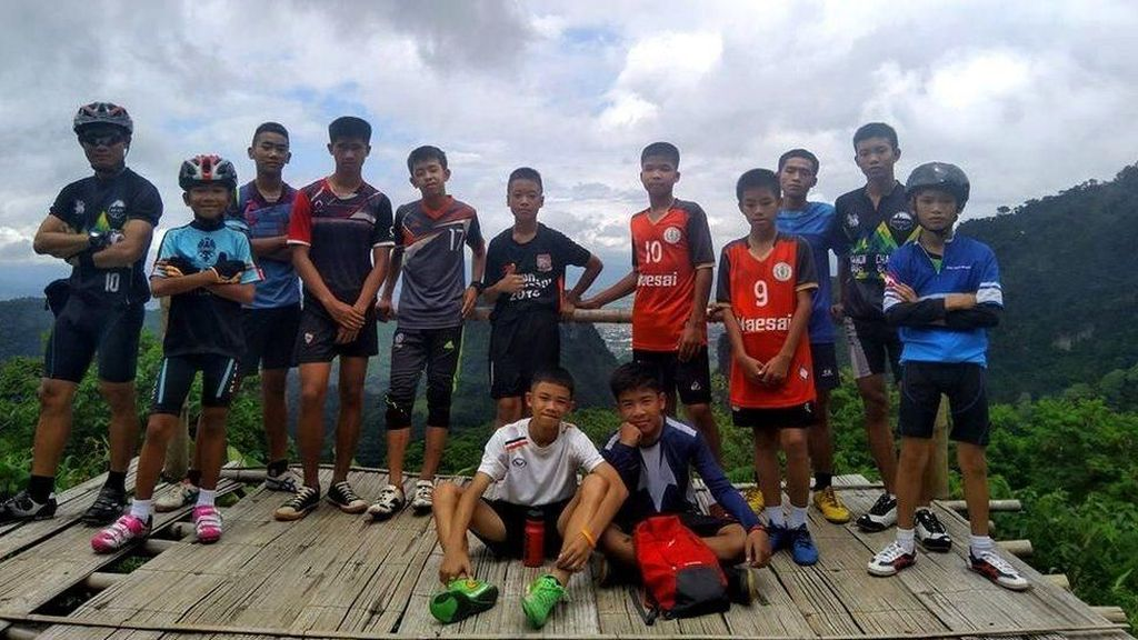 Ternyata, 12 Remaja Dibius Total Saat Dievakuasi dari Gua Thailand