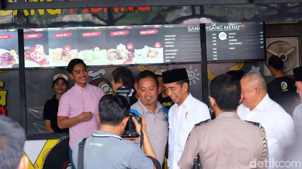 Tak Icip-icip Sang Pisang di Palembang, Jokowi: Sudah Sering