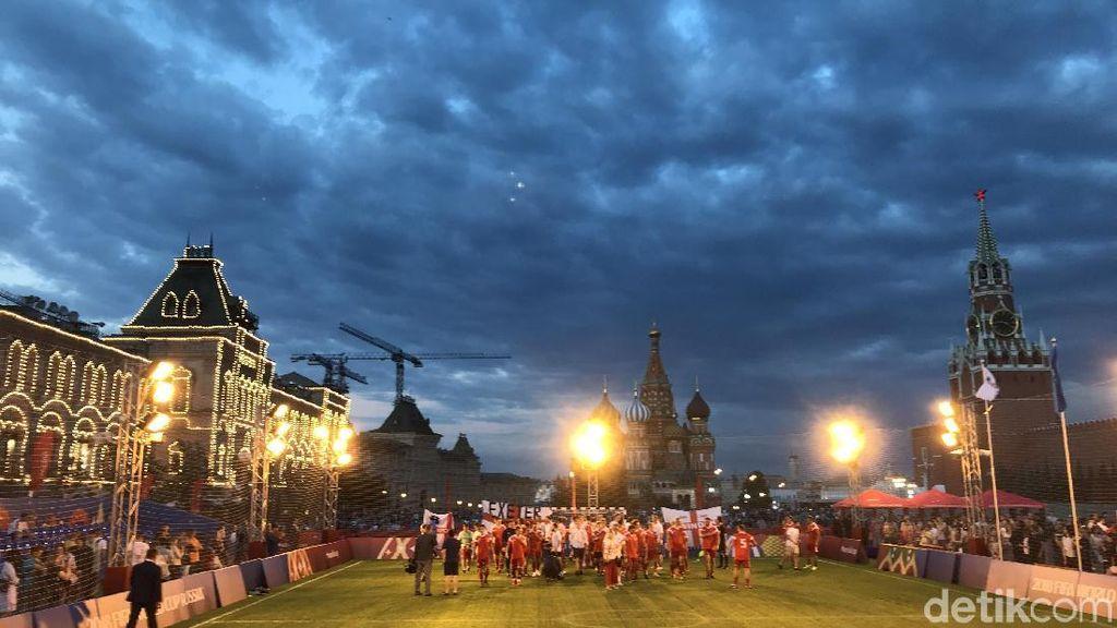Merayakan Sepakbola di Lapangan Merah Moskow