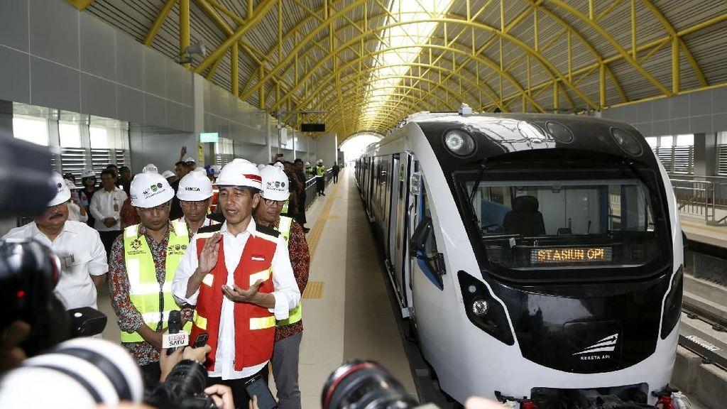Jajal LRT Palembang, Jokowi: Rasanya Lebih dari di Eropa