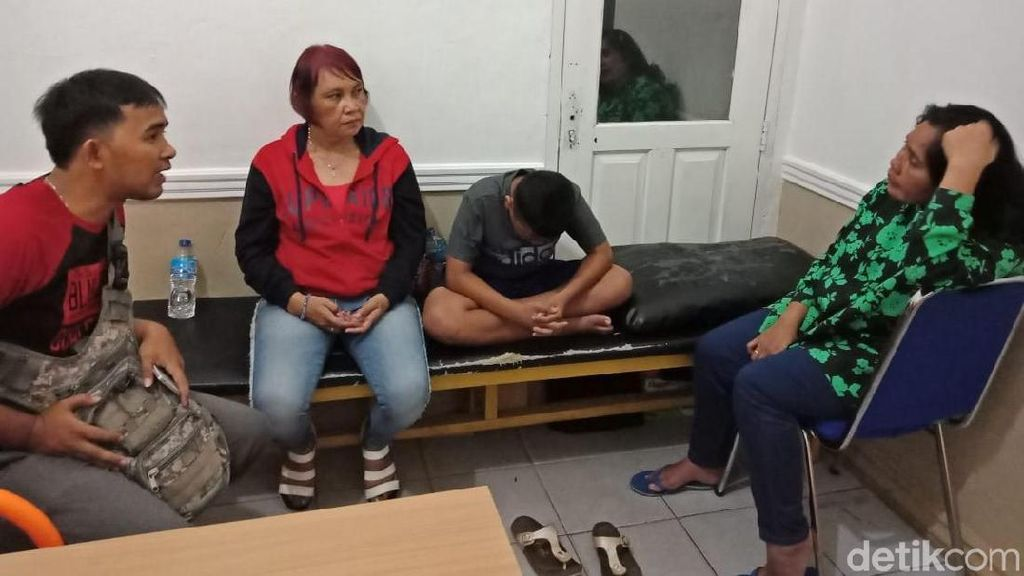 Viral Polisi Pangkat AKBP Pukul Ibu-ibu Diduga Pencuri di Babel