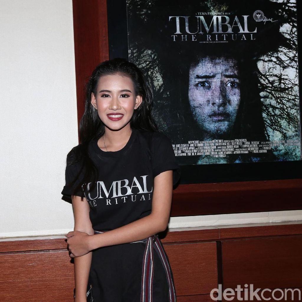 Main Film Horor, Shenina Cinnamon Akrab dengan Permen Karet