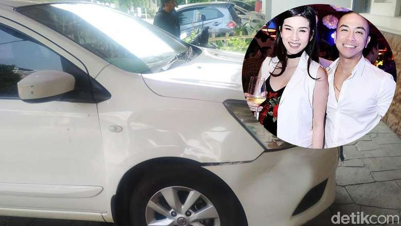 Diduga Diselingkuhi, Stevie Agnecya Seruduk Mobil Suami