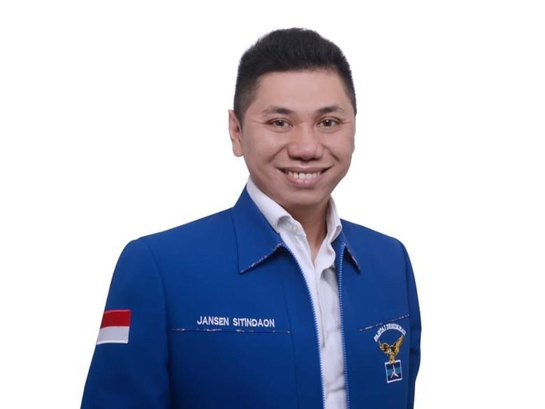 Seperti Ferdinand, Ketua Demokrat Jansen Balik Badan Tinggalkan Prabowo