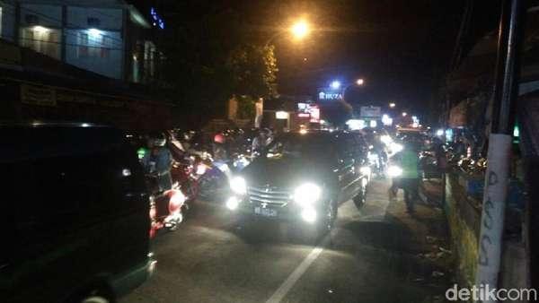Mobil Jibom dan Gegana Datangi TKP di Jl Kaliurang Sleman