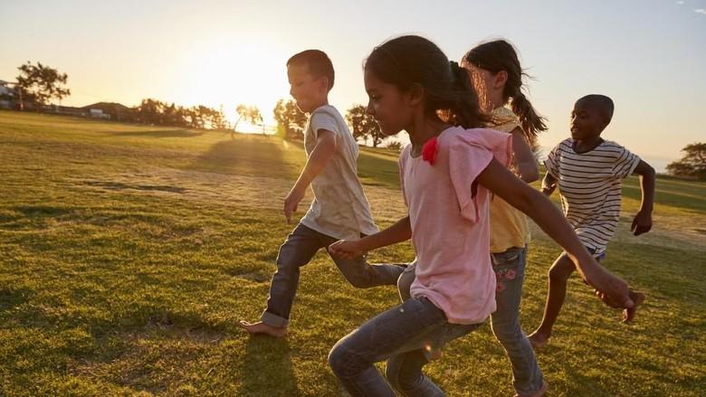 2 Faktor yang Turut Menentukan Bahagia Tidaknya Seorang Anak/Foto: thinkstock