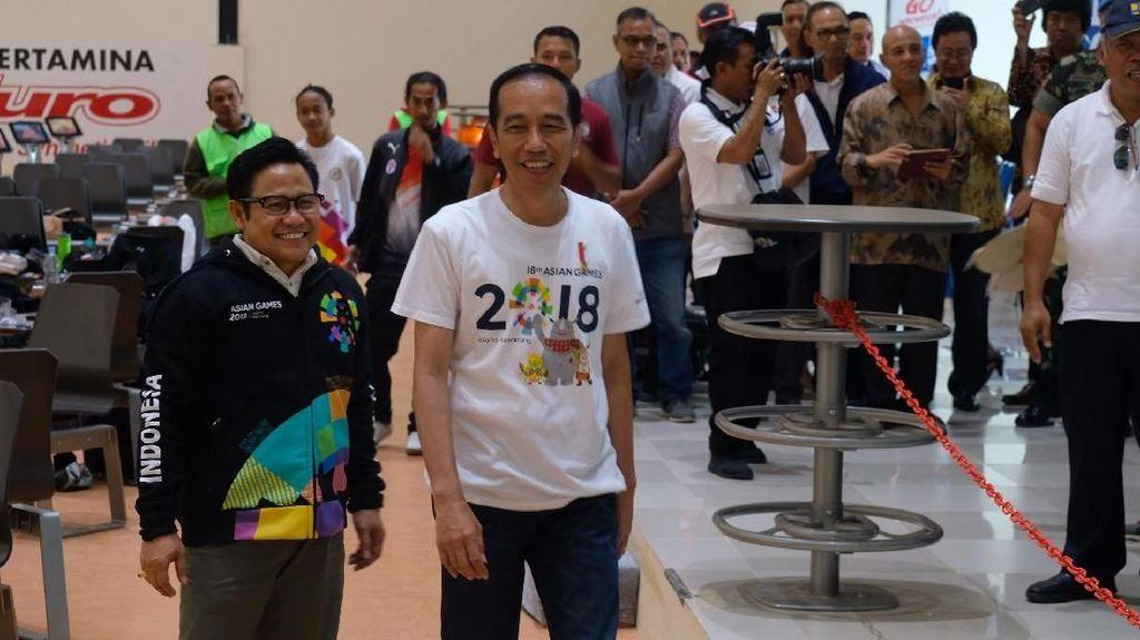 Momen Jokowi Kalahkan Cak Imin Saat Main Bowling di Jakabaring
