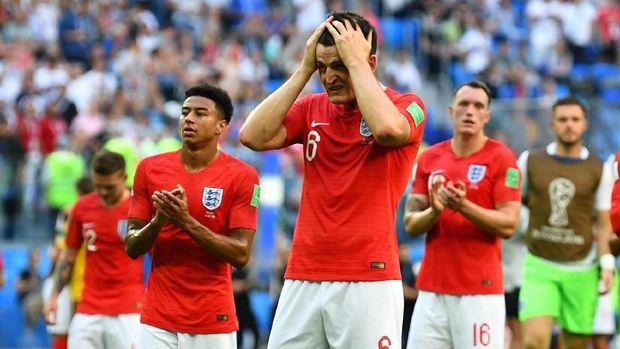 Timnas Inggris terlalu memaksakan formasi 3-5-2 di Piala Dunia 2018.