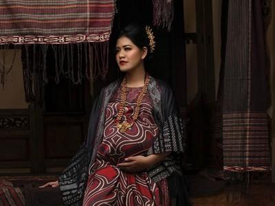 Kehamilan Makin Besar, Kahiyang Kian Bersinar