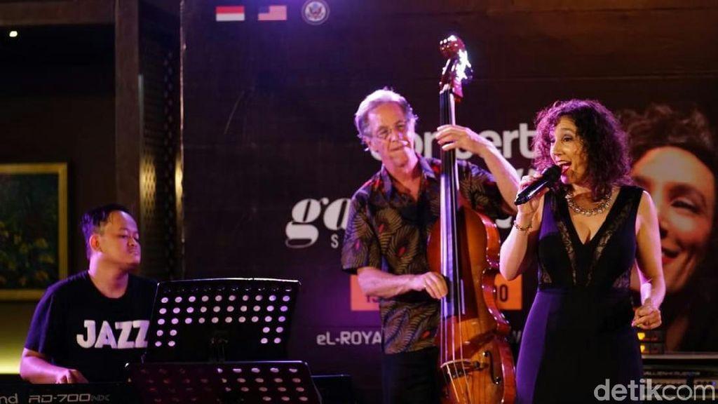 Akrab dan Hangatnya Konser Jazz Gabriella Stravelli di Banyuwangi