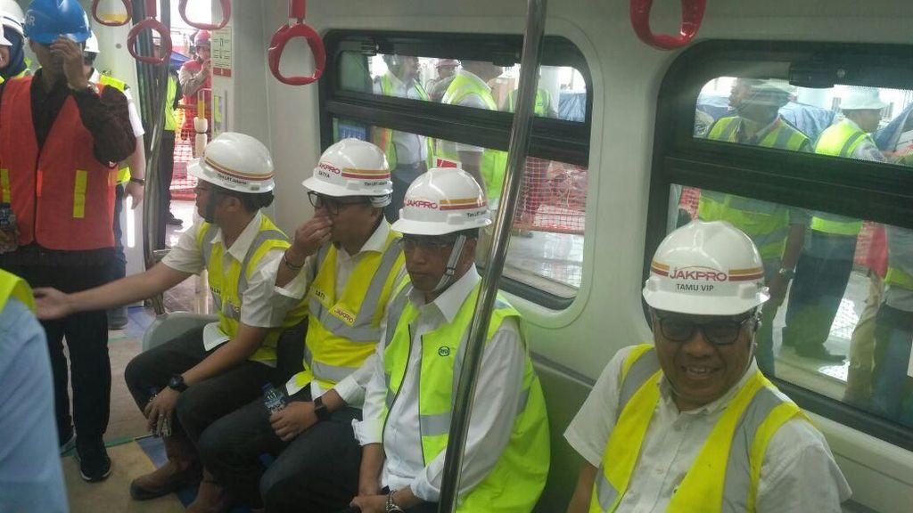 Jajal LRT Jakarta, Budi Karya: Kedap Suara, Mulus