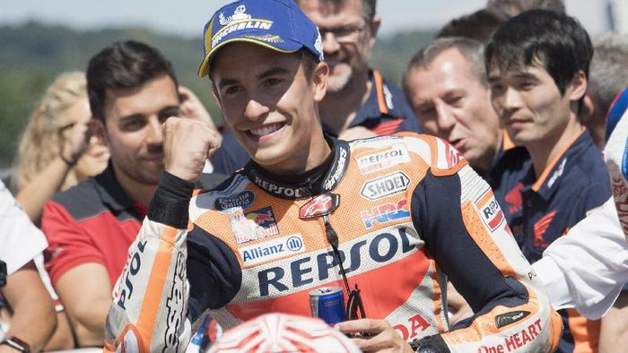 Marc Marquez akan start dari posisi terdepan di MotoGP Jerman (Foto: Mirco Lazzari gp/Getty Images)