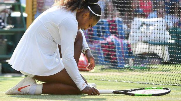 Serena Williams gagal dalam upaya meraih gelar grand slam pertama sejak kembali mengayun raket.