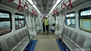 Penampakan Terkini Kerennya Jeroan Gerbong LRT Jakarta