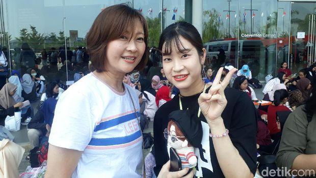 Terbang dari Jepang dan Korea Demi Konser Wanna One di Jakarta