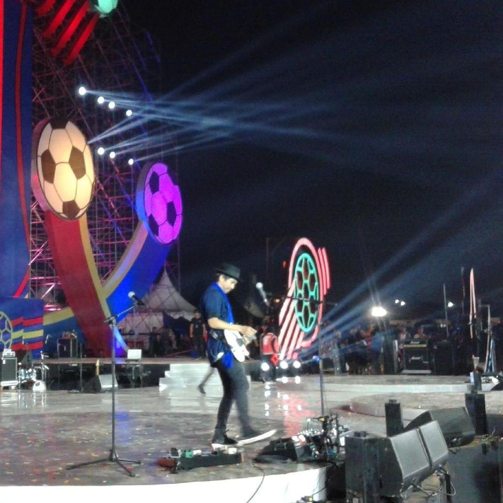 Kolaborasi Kotak dengan Slank untuk Konser Piala Dunia 2018