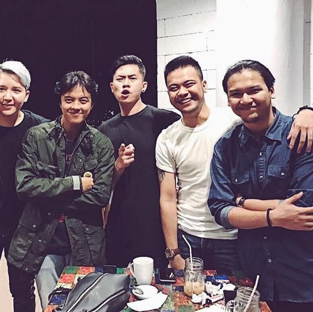 Nyanyi Lagu Super Junior di Panggung HUT Transmedia ke-17, Smash Kegirangan