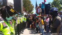 Kasus PT RUM Sukoharjo, Massa Aksi Tuntut 7 Aktivis Dibebaskan